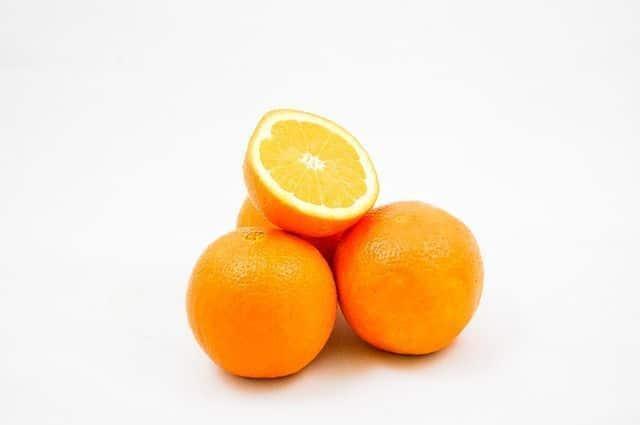 varias naranjas